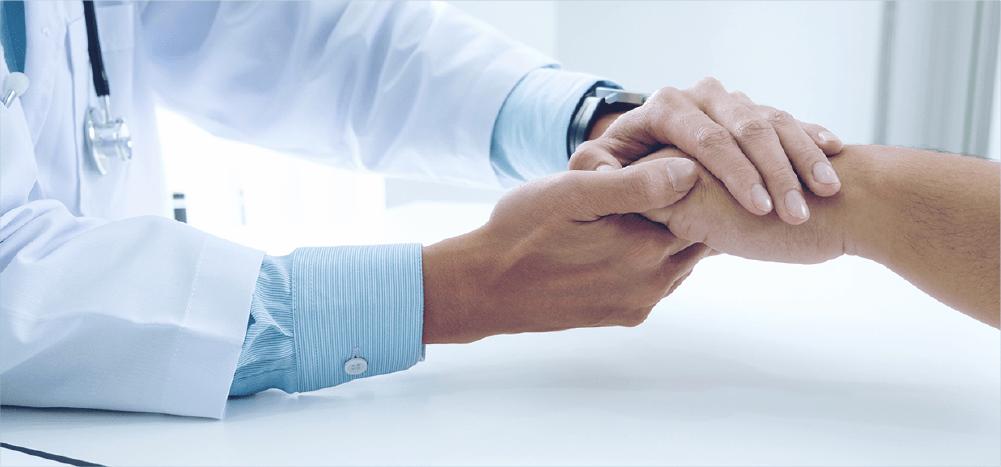 Nada substitui o toque humano na medicina